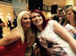 Kurzauftritt & Autogrammstunde von Jenny Frankhauser am 05.08.2016 im fritz Einkaufszentrum